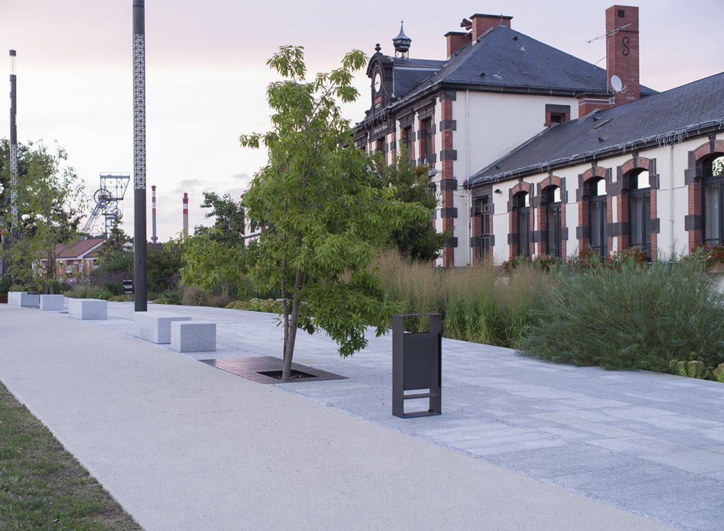 Place Duval et de Gaulle, Rue Jean Jaures 2